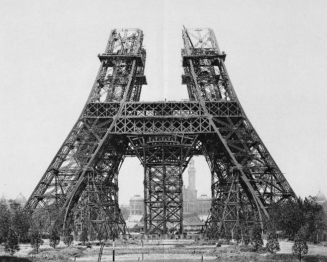 Bau des Eiffelturms