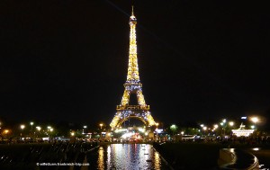 Eiffelurm glitzern bei Nacht