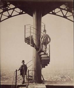 Gustave Eiffel auf der Spitze des Eiffelturms