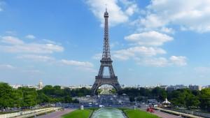 Eiffelturm mit Brunnen am Trocadéro