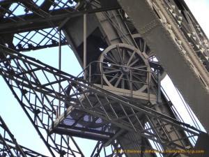 Eiffelturm Detail Antrieb des Aufzugs