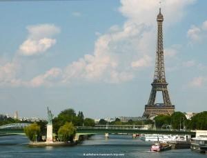 Eiffelturm mit Freiheitsstatue