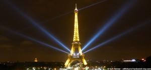 Der Eiffelurm Beleuchtung zur Fashion-Week Oktober 2015